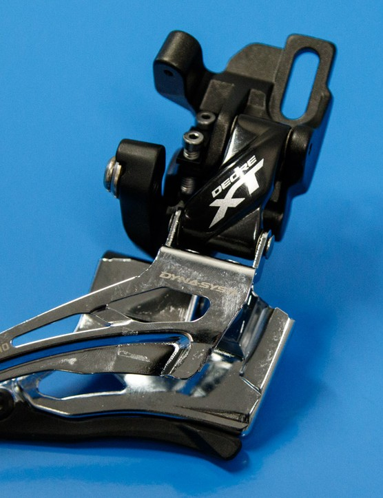 The direct mount front derailleur features a single slot for a bolt up top