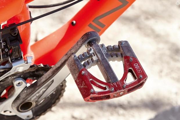 CrankBrothers 5050 3 flat pedals