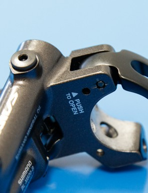 All I-Spec brake levers feature a quick release port to remove the brake lever without removing the handlebar grip. Once you've undone the mounting bolt, simply press a small 2mm hex key into the marked hole