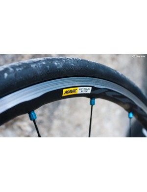 22mm wide Mavic Ksyrium Elite wheels come as standard on all the Xelius models