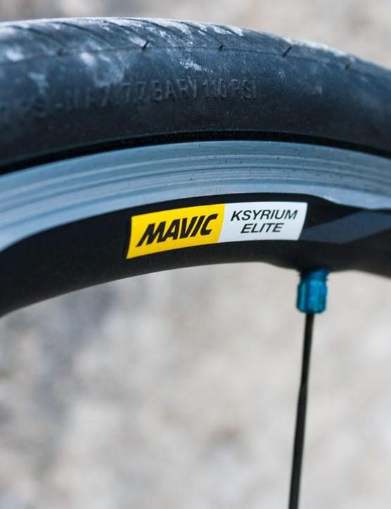 22mm wide Mavic Ksyrium Elite wheels come as standard on all the Xelius models