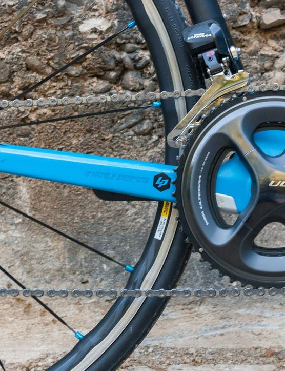 The Ultegra Di2 groupset is superb. Evey Xelius comes with a 52/36 crankset