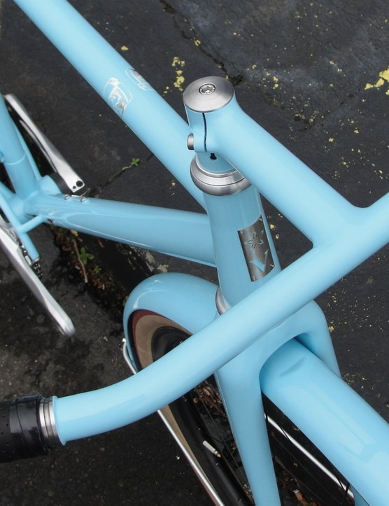 The steel one piece bar/stem, painted to match, is an upgrade but emblematic of the new Urban Racer