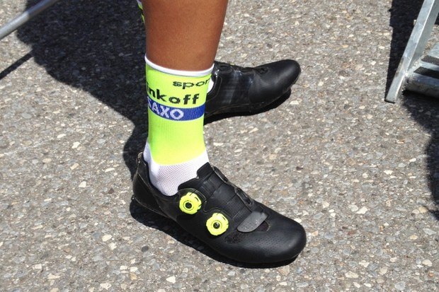 Alberto Contador rode this unmarked black shoes during the Giro d'Italia