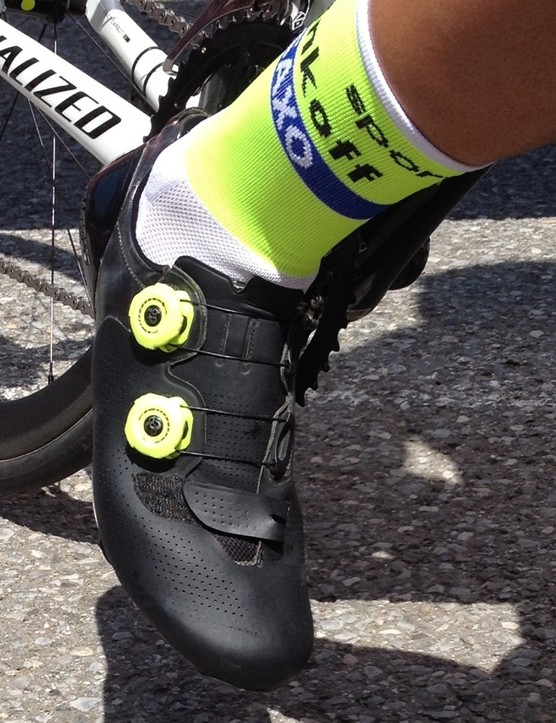 Contador's unmarked shoes appear to be lighter versions of the S-Works shoe, but with a higher heel