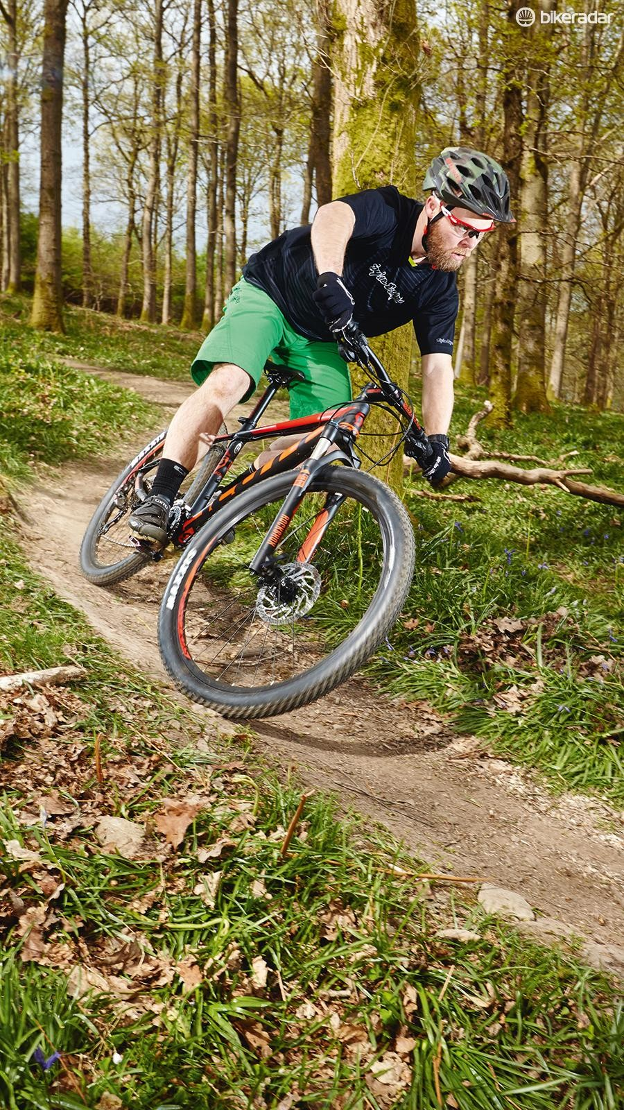 Inexperienced riders may find the low front end takes some getting used to on steep downhill sections