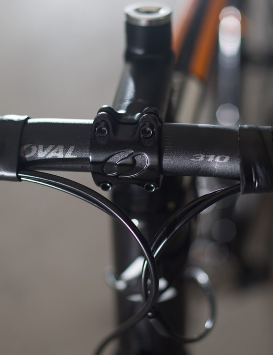 Oval's alloy bars are stiff and have a nice compact bend