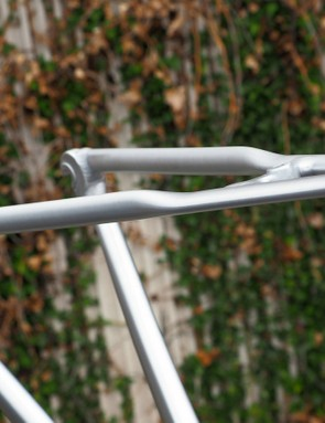 The seatstays sport a rather novel shape that the company claims improves ride quality. Perhaps more importantly, it sticks to the corporate design philosophy on the higher-end carbon frames