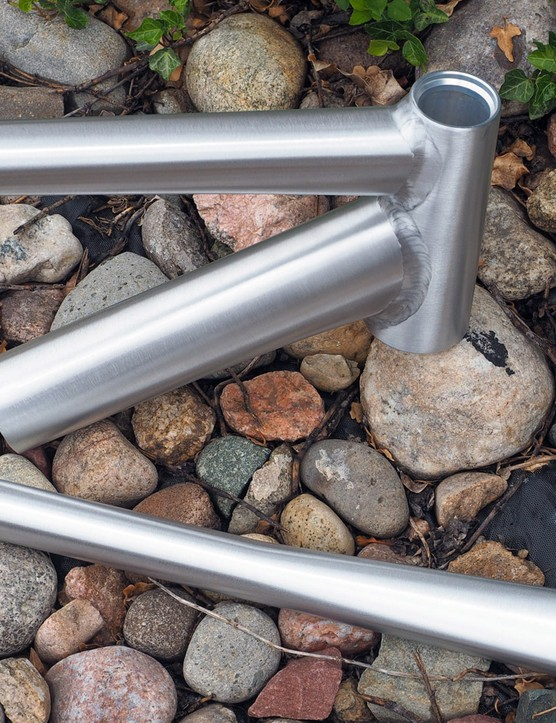 Double-pass welds provide a relatively smooth look without grinding, which Eddy Merckx says can compromise the strength of ultra-thin tubes