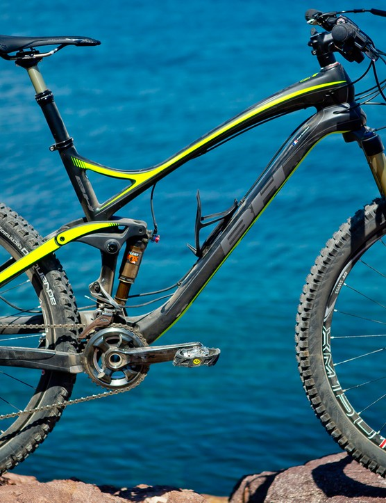 The new BH Lynx 4.8 27.5 Carbon 120mm trail bike on the shores of the Mediterranean, where our technical test loop began