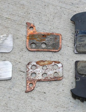 Left to rigtht: SRAM organic, SRAM metallic, Shimano organic