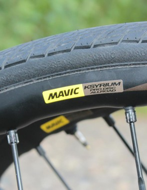 Yksion Elite Allroad tubeless tires have a puncture protection layer that runs bead to bead