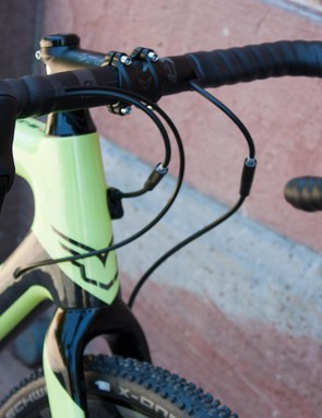 The F4x uses SRAM's Rival hydraulics