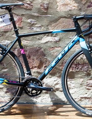 The F95x might be the cheapest of the CX range, but like all Felt's bikes, the paint job makes it look more expensive than it is