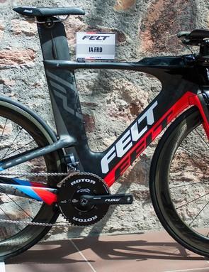 Felt's top-end IA triathlon bike has a paint-only overhaul for 2016
