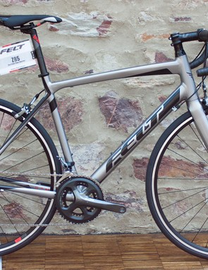The Z85 borrows the gorgeous looks of the 2015 Z4 Disc
