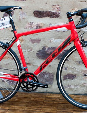 The Z100 offers entry level riders an eight-speed Claris groupset