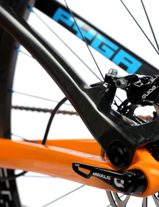 By placing the brake caliper on the seatstay (while the wheel is anchored to the chainstay), Pyga says the slight movement that results will actually produce more even rotor and pad wear