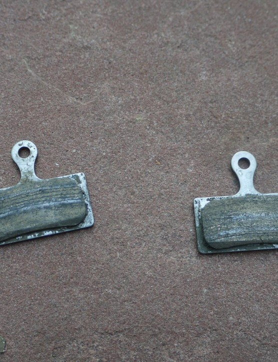 Shimano metallic brake pads withstood the wet and muddy conditions