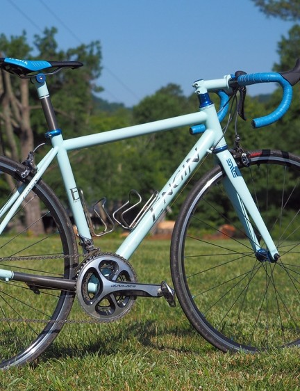 Cast aside the idea that custom bikes - particuarly ones made of metal - can't be competitive in terms of performance. This titanium road bike is barely UCI-legal