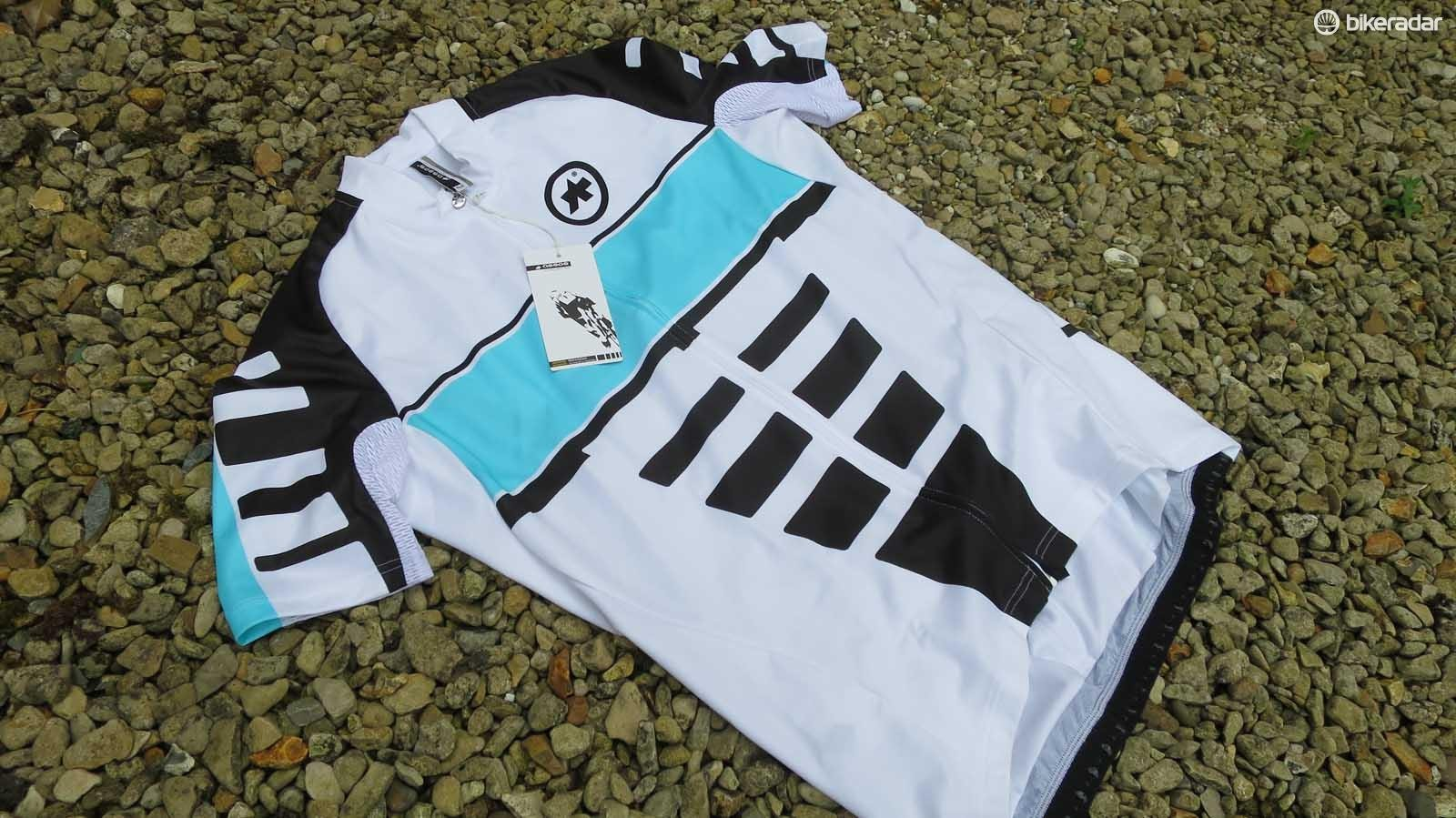 The corporate jersey comes in five different colour versions
