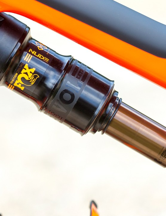 Taking care of the 130mm of rear wheel travel is Fox's new Nude DPS rear shock with EVOL air sleeve