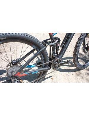 The Virtue uses Felt's FAST suspension for 140mm of light weight travel