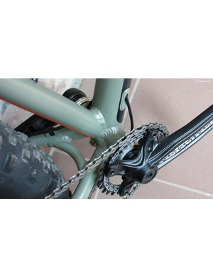 There's a Race Face Ride crankset on this 100mm bottom bracket