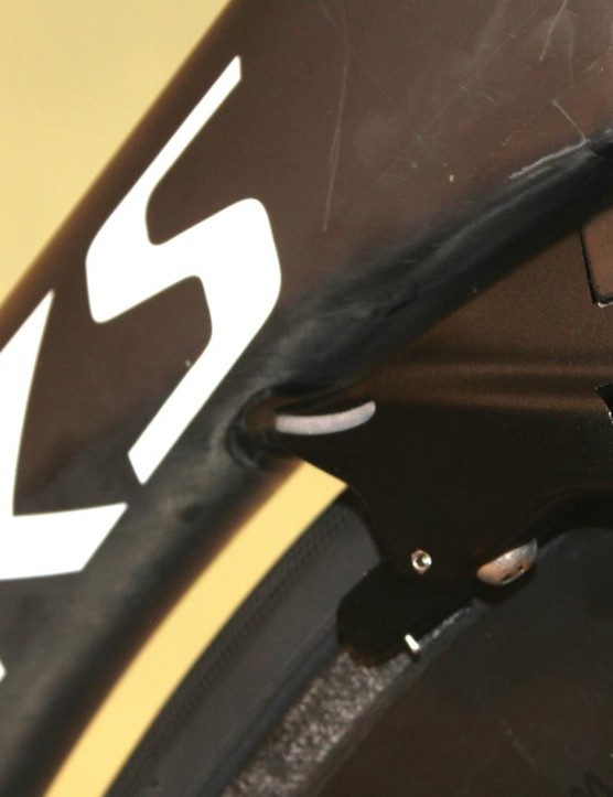 The ViAS brake caliper adds UCI-approved length to the aero shape with hardly any additional width