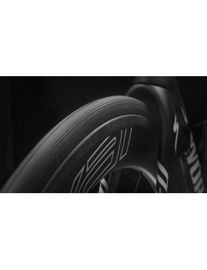 Specialized S-Works clinchers are labeled 22 and 24mm front and rear, but actually measure 24 and 26mm respectively when mounted on the Roval CLX 64s, which have a 21mm internal rim width