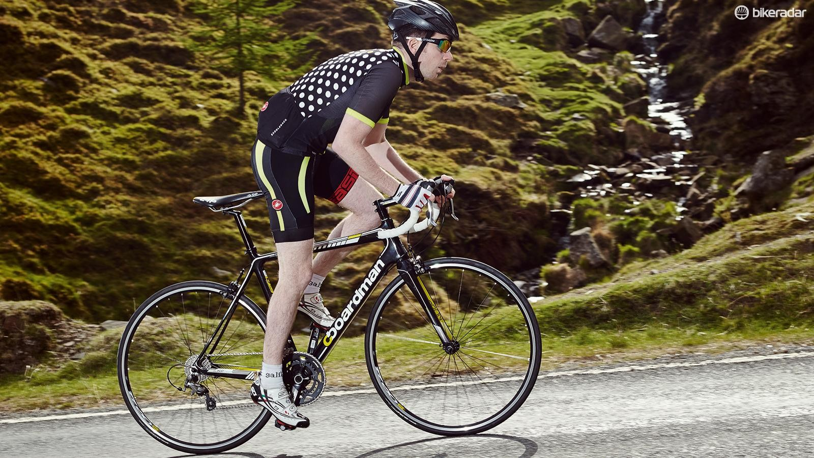 It's not just about the commute – take the Team Carbon out of the comfort zone and it's an authoritative ride
