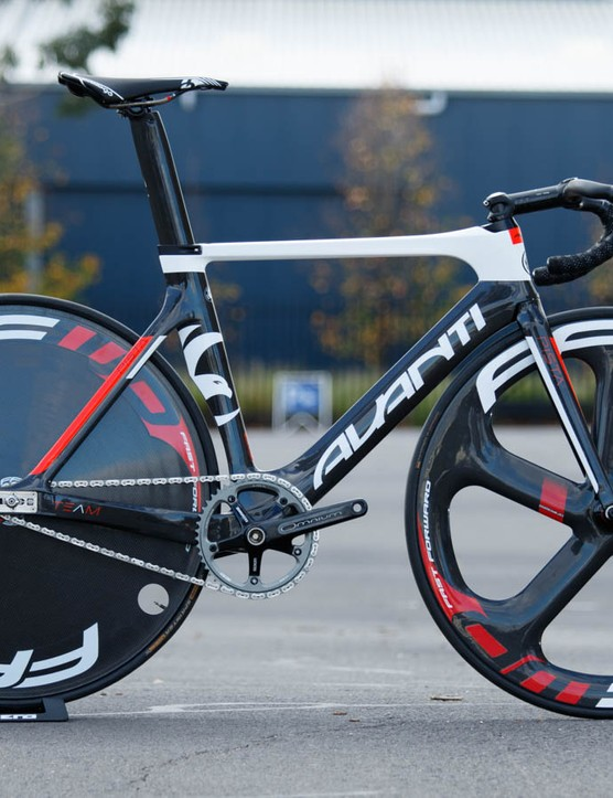 The Avanti Pista Team is available as a frameset only. It's also available in Avanti Racing Team colours