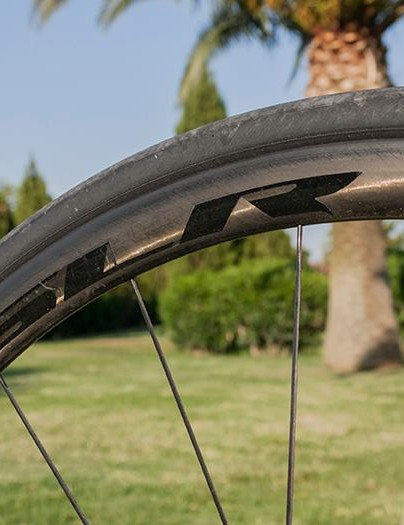 The SLR carbon rims felt light and stiff