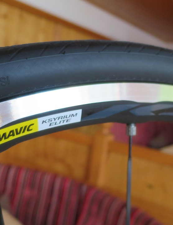 The Dura-Ace model gets Mavic's new Kysrium Elite with its 4D machined alloy rim first seen on the Anniversary Kysrium