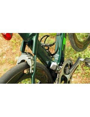 The seat tube features a deep profile throughout its length, but it's actually concealing a secondary seat tube inside