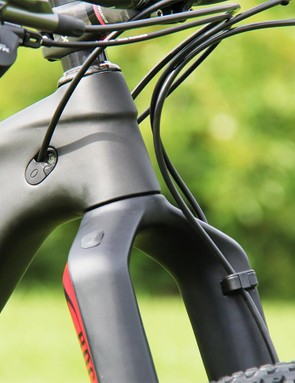 Thankfully, the Top Fuel 9.9 SL uses Trek's new Control Freak cable management system to keep all the lines in check