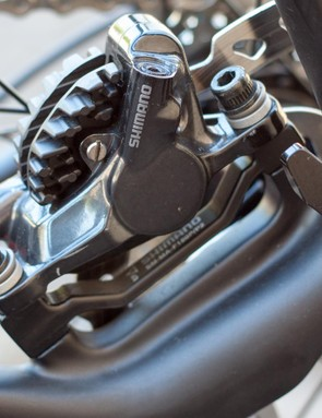 Flat mount Shimano hydraulic disc brakes