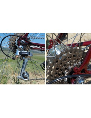 The Shimano Deore XT rear derailleur is paired with a Suntour 7-speed freewheel