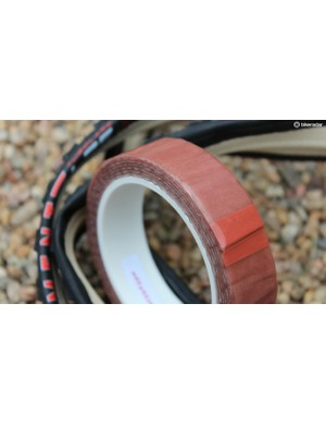 Effetto Mariposa's Carogna double-sided tubular tape