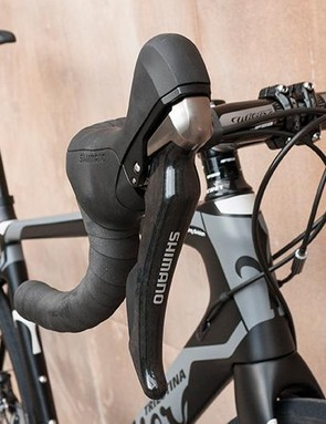 This model has a full Ultegra hydraulic groupset, but is also available with 105