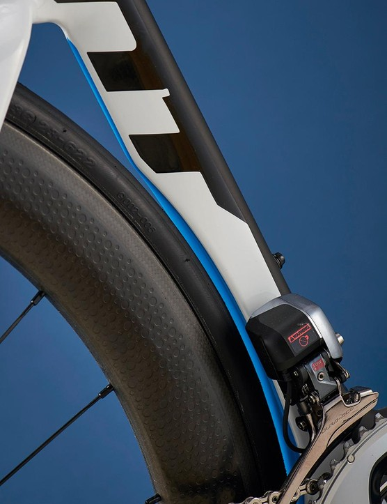 The seat tube cutout creates a very responsive rear end and helps to make the Giant a great climber