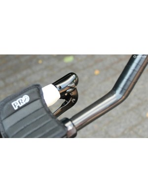 The Bolide's Di2 shift buttons function just like Shimano's
