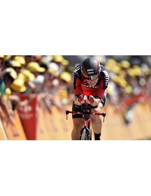 Rohan Dennis of BMC claims the maillot jaune on Stage 1 of the 2015 Tour de France