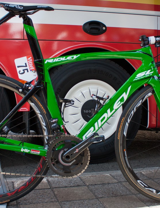 Andre Greipel's victory on stage 2 meant the green jersey. Ridley supplied the German with a matching Noah SL