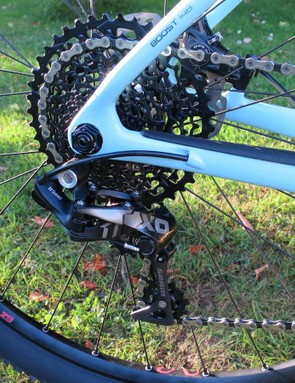 The Procaliber 9.8 SL uses Trek's new Cable Freak internal routing system