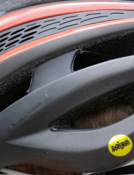 The Giro Synthe MIPS looks identical to the current Synthe externally, save the little yellow sticker