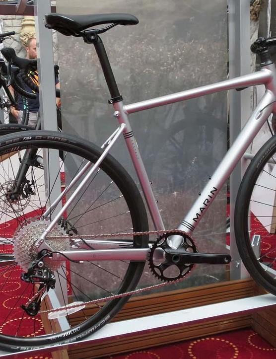 The Gestalt 2 also has a 1x drivetrain using a mix of a SRAM Apex shifter and a mountain bike X7 rear mech