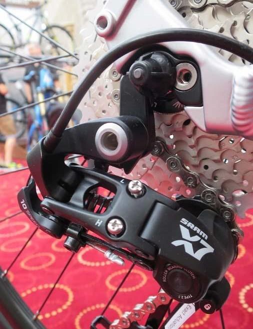 The SRAM X-7 mountain bike rear mech is used on the Gestalt 2's 1 drivetrain