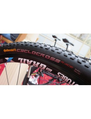 … along with classic Continental 35c cyclocross tyres