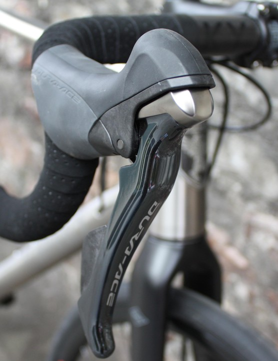The build we've seen comes complete with Dura Ace shifters and Whisky No. 7 carbon handlebars